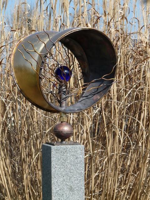 Künstlerisch ging es ebenfalls zu: Peter Luther stellte seine außergewöhnliche Windskulptur aus.